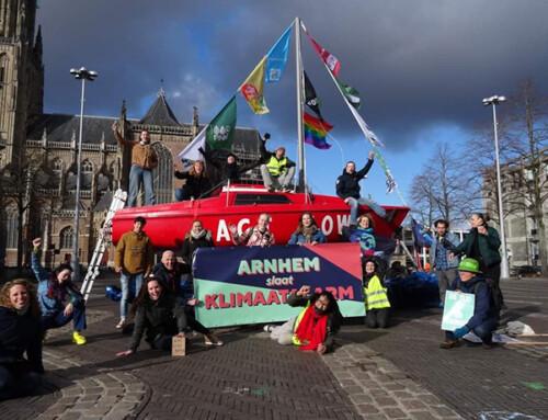 Klimaatactie bij Shell in Arnhem